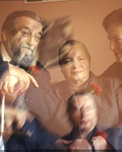 Veno Pilon, Božidar in Tatjana Jakac s sestro Fedjo Turnher, ok. 1969, barvni diapozitiv, Pilonova galerija Ajdovščina